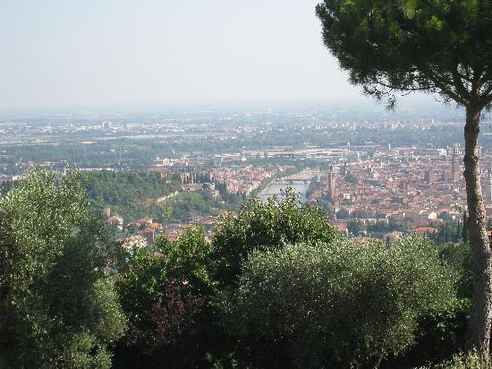Agriturismo San Mattia: view of verona from the B&B