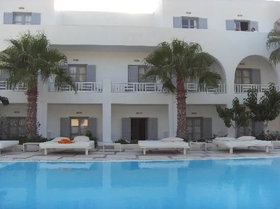 Hotel 28: swimming pool