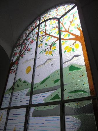 Casa Sorrentina: Stained glass window