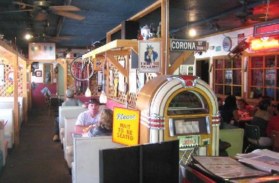 Santa Rosa, NM: Classic booths and Rt. 66 stuff