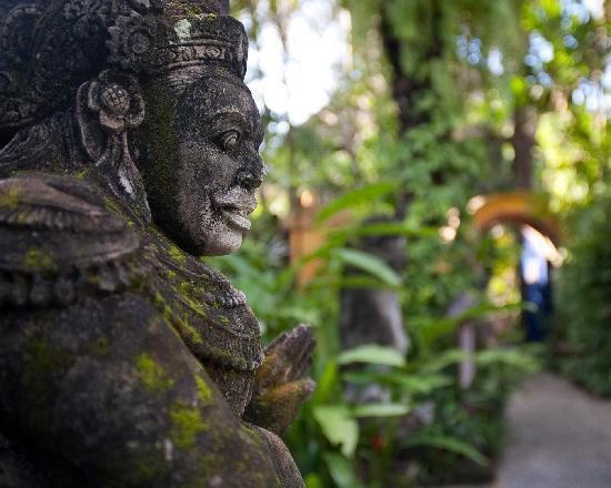 Hotel Tugu Bali: Hotel Grounds
