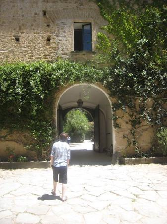 Archway to Palazzo Belmonte