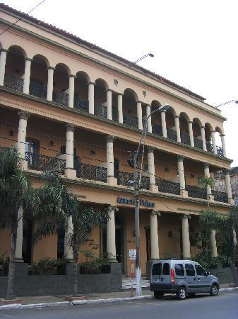Asuncion Palace Hotel: Fassade von der Straße