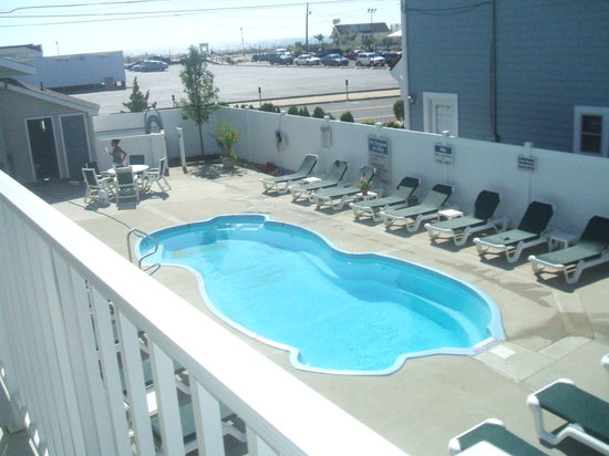 Point Beach Motel: Swimming pool