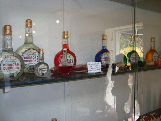 Curacao Liqueur Distillery: licores