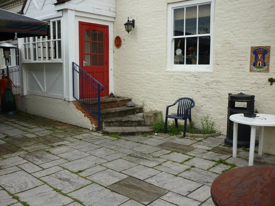 The Fleet at Twyning: Weed infested patio
