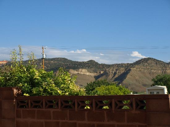 Bryce Canyon Inn: View from our porch