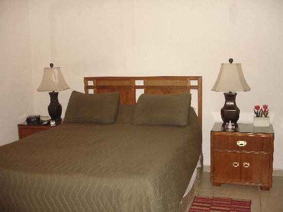 Sonoran Sun Resort: SW unit 1007,front bed room