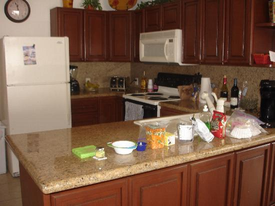 Sonoran Sun Resort: kitchen