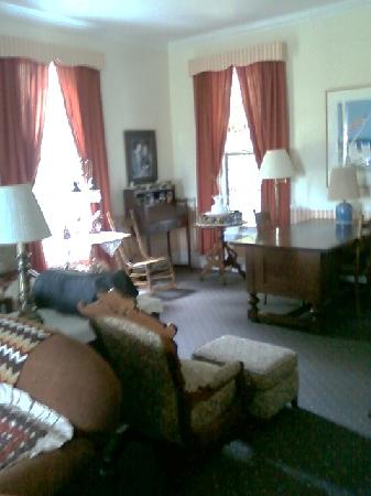 Small Point Bed & Breakfast: The sitting room