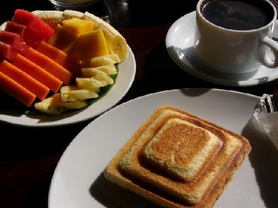 Ubud Lestari Bungalows: Breakfast