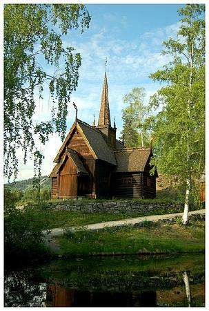 Lillehammer, Norvège : A norwegian stave church close to the entrance