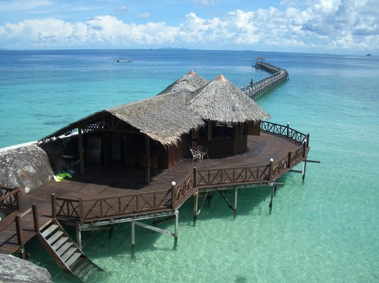 Bagus Place Retreat: Dragon bar and jetty