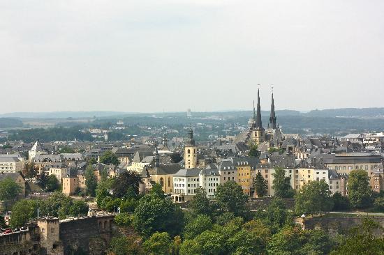 Melia Luxembourg : Vue sur la vielle ville de la 803