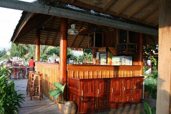 Sala Pha Deng: Bar