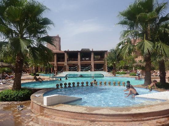 Piscine picture of residence al qantara marrakech for Residence piscine