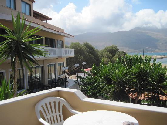 Trachilos, Griechenland: Hotel from Balcony