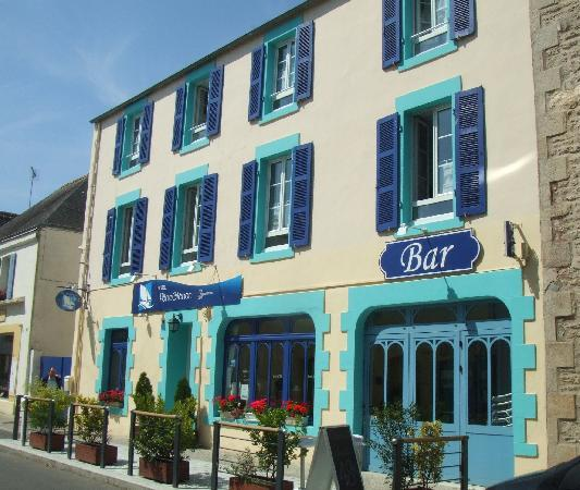 Loctudy, França: fassade de l'hotel en juin 2010