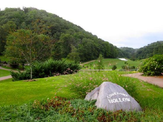 Inn at Lonesome Hollow: 160 acres of ahhhh....