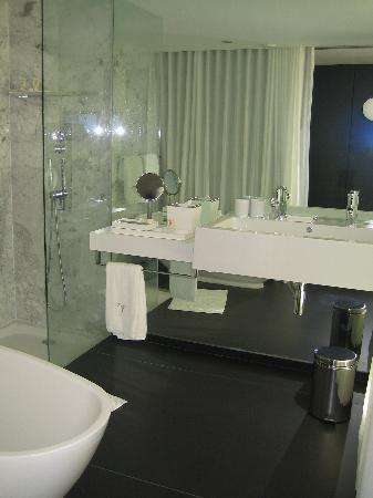 Lobby art foto de blue green troia design hotel troia for Design hotel troia