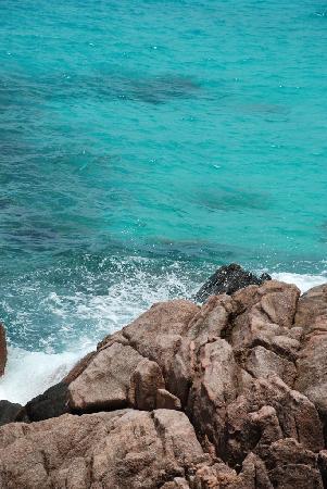 Redang Holiday Beach Villa : waves
