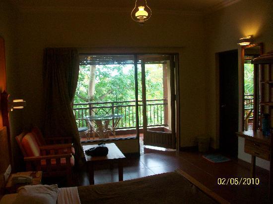 Daman Ganga Valley Resort Pvt. Ltd: Comfy room with a balcony