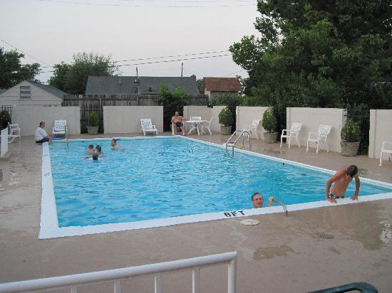 Best Western Winchester Hotel: Big pool