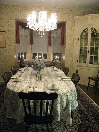 The Lancaster Bed and Breakfast : Dining room