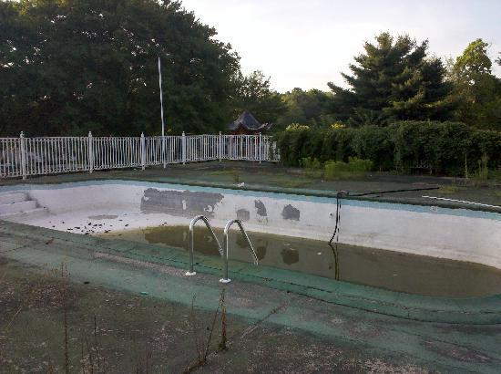 Greenview Inn: The lovely pool