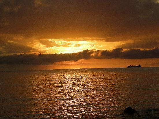 Franklyn D. Resort & Spa: Sunset