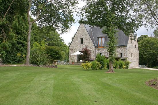 Montloue Gardens