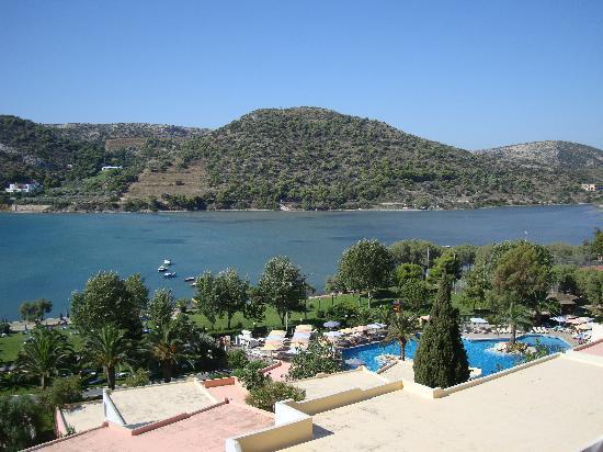 Mare Nostrum Thalasso Hotel : vue vers la piscine