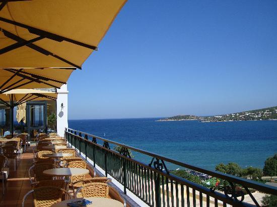 Mare Nostrum Thalasso Hotel : vue de la grande terrasse centrale