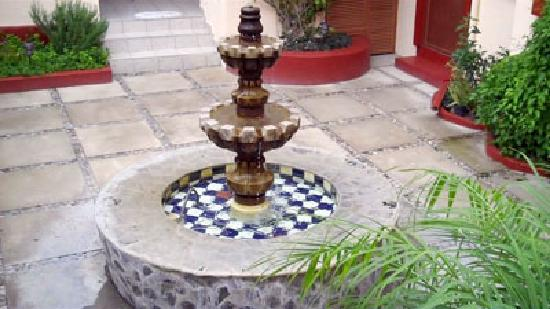 Ajijic Suites: Fountain, from the patio just outside Oaxaca Suite
