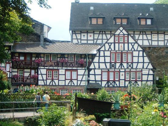 Bacharach, Deutschland: Im Mahlerwinckel : vue sur le jardin