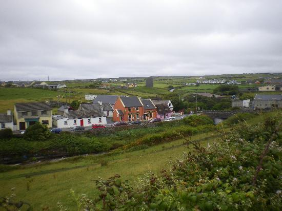 Pairc Lodge B & B: right in the beautiful town of Doolin