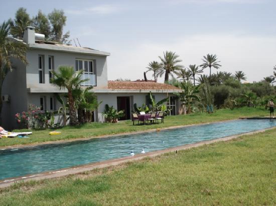 Kasbah Tiwaline: Main house pool
