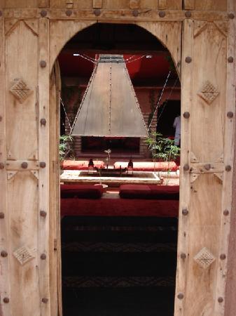 Kasbah Tiwaline: dining room