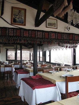 Zenger Pasa Konagi : Eeating area, it is kind of 2nd or 3rd floor