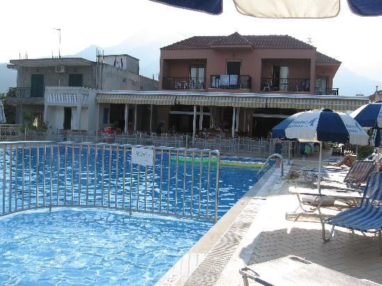 Athos Hotel: hotel & pool
