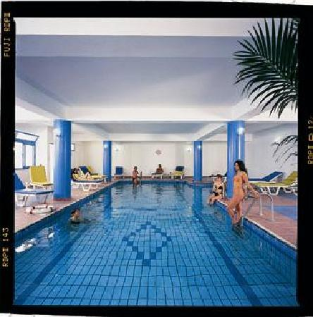 Kefalonitis Hotel Apts.: Indoor Swimming Pool