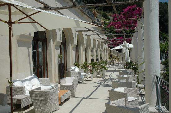NH Collection Grand Hotel Convento di Amalfi : Terrasse pour boire un verre