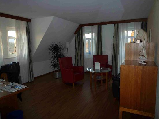 Seehotel Niedernberg - Das Dorf am See: großes Zimmer