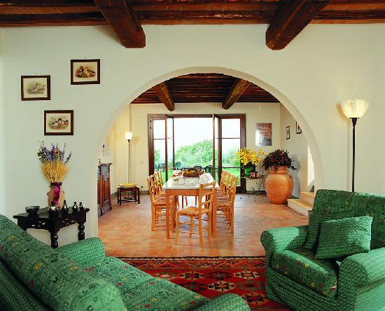 Podere il Pino: Living and Dining Room - Sala e SalaPranzo
