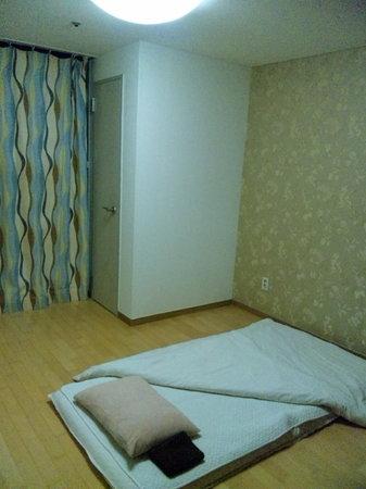 Norika House: オンドル部屋 ここに1人で利用しました。広いです。