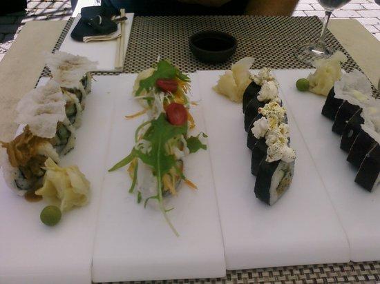 Rakultur: Innovative sushi with popcorn on top