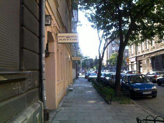 Aparthotel Astor: View from the street