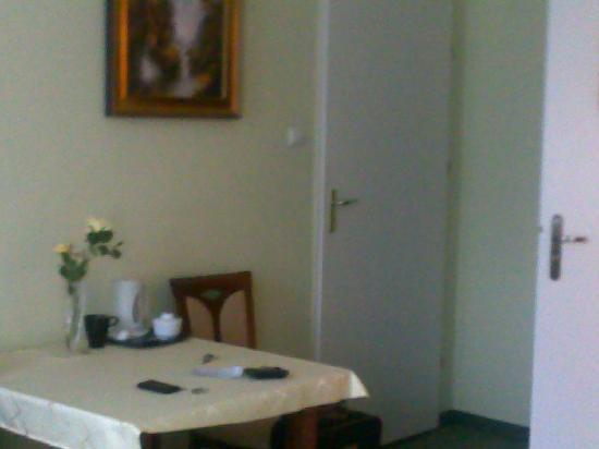 Aparthotel Astor: Room interior