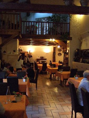 Logis Auberge des Moissons : The dining room - our view