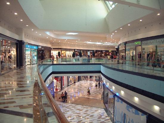 Costa Blanca, Spanyol: Large Shopping Mall near Denia